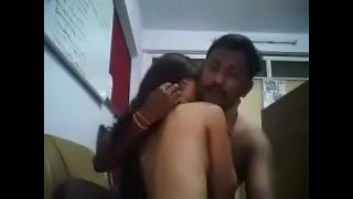 செக்ஸ்யி ஆபீஸ் மனஜரிடம் மாட்டி ஒல் படம்