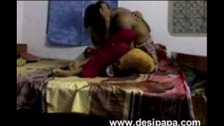 சேல்ஸ் மேனோஜரோடு சிந்து செம சேக்ஸ் படம்
