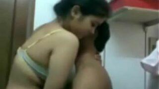 சென்னை கல்லூரி பெண் ஓக்கும் தமிழ் செக்ஸ் வீடியோ