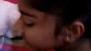 கவர்ச்சி இளம் 19 வயது டீன் பெண் சூது செக்ஸ் வீடியோ